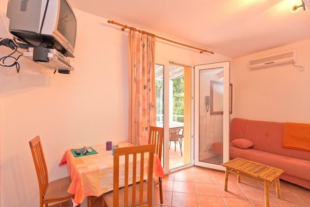 Apartment A (2+1)