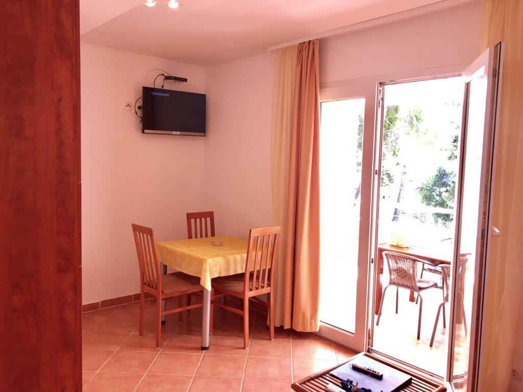 Apartment A (1 room / 2+1)