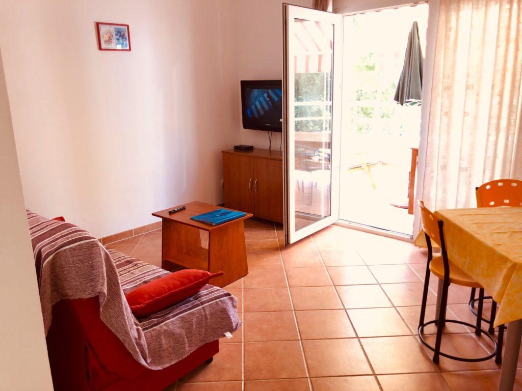 Apartment C (1 room / 2+1)